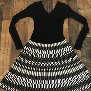 Candie's Small Sweaterdress Black and White